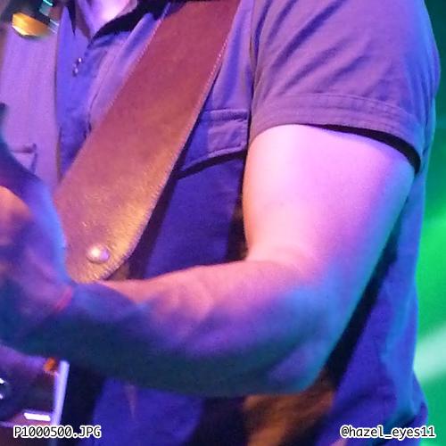 Kris Allen arm biceps unf