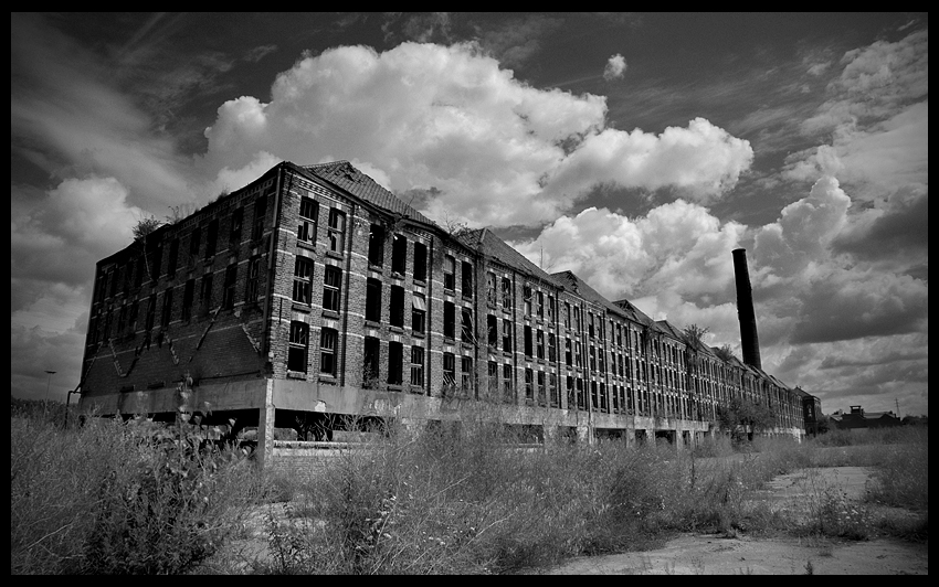 urbex urban exploration decay abandoned belgium infiltration belgique Tuileries Littoral roof tile tiles factory