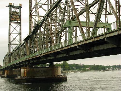 Memorial Bridge, Portsmouth