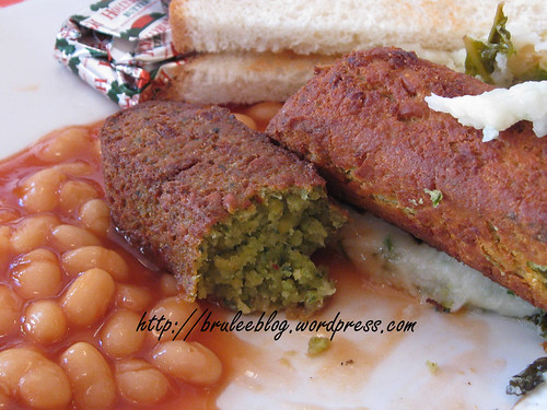 Caerphilly cheese and leek sausages