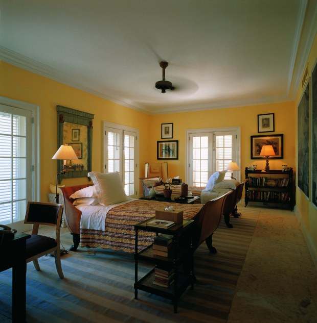Guest bedroom in Bunny's home in the Dominican Republic (Photo: Fritz von der Schulenburg)