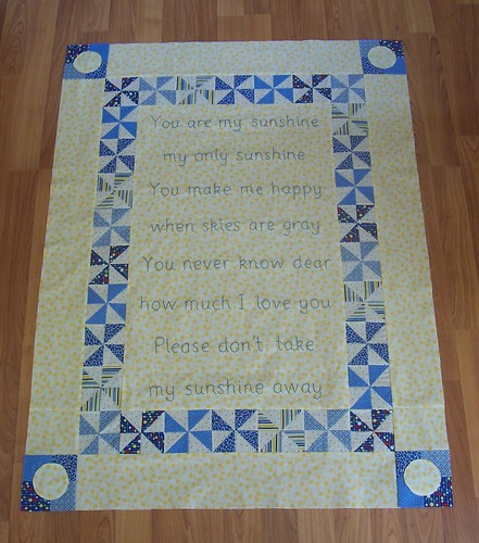You are my sunshine quilt-pieced top complete!