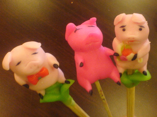 3 Piggies a