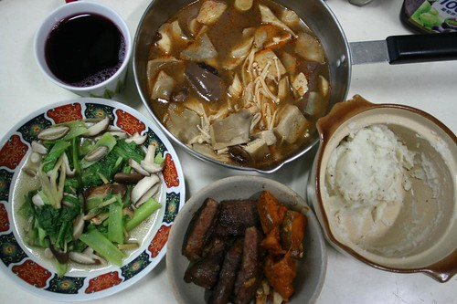 vegetables, beef, spicy hotpot, grape juice, potatoes