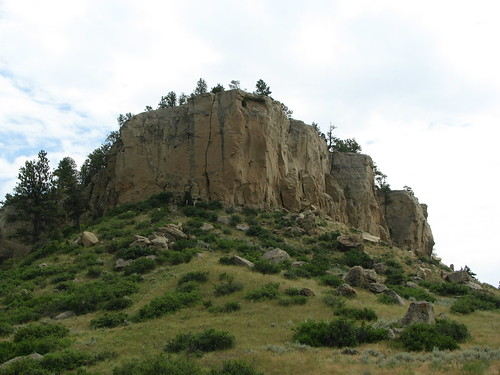 Cliff Hanger'sCliff at pictograph caves