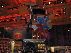 Toys_R_Us_Superman
