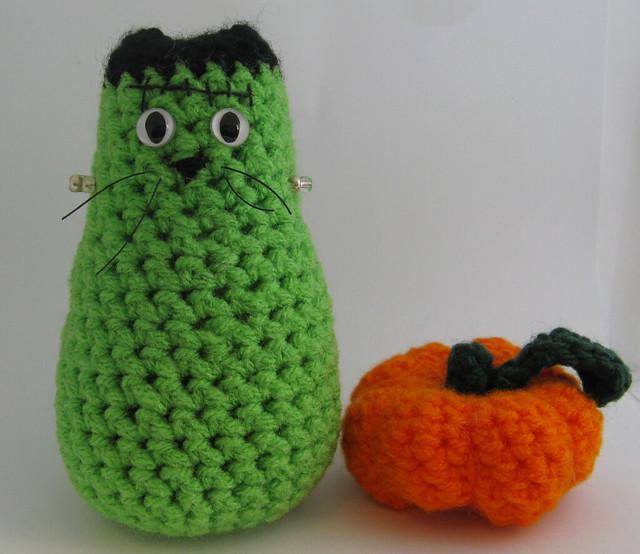 Frankencat.  (and a pumpkin.)
