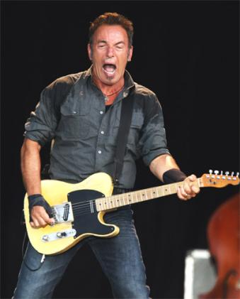 pg-16-springsteen-g_202263s