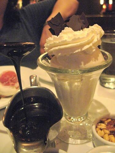 Traditional Ice Cream Sundae