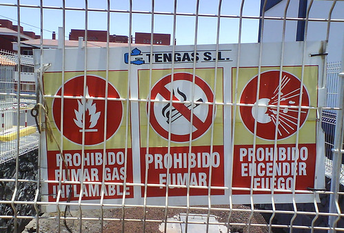 Prohibido fumar gas inflamable (by Alex\)
