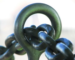 """Chain... • <a style=""""font-size:0.8em;"""" href=""""http://www.flickr.com/photos/41711332@N00/1092023931/"""" target=""""_blank"""">View on Flickr</a>"""