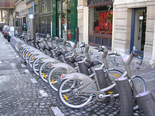 Una estación de bicicletas en St. Germain