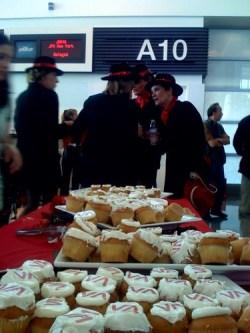 Virgin landing @ SFO: cupcakes