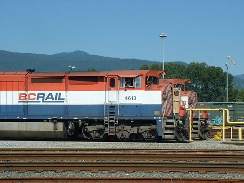 BCOL 4613 and 4612 North Vancouver 20030830