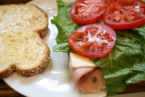 sandwich made with garlic aioli