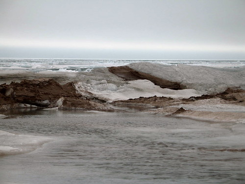 Moonscape, Lake Superior, Duluth, Minnesota, April 2007,photo © 2007 by QuoinMonkey. All rights reserved.