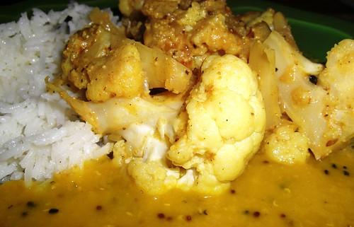 Slow-Cooked Cauliflower Curry