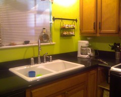 Kitchen w/ the new countertop.