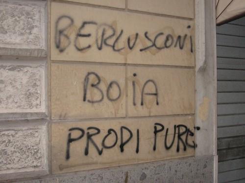Berlusca graffiti