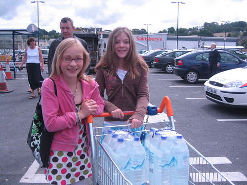 Bottled water distribution in Cheltenham