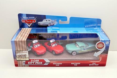 Disney CARS waitress mia and tia flo with tray 3 pack (1)