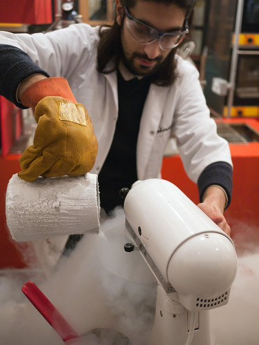 Pouring nitrogen into the mixer.
