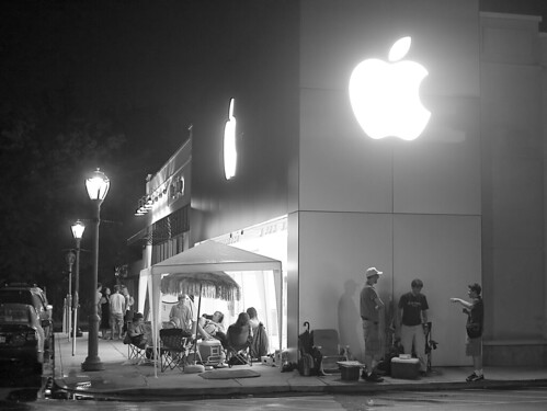 L'attente avant le lancement de l'iPhone