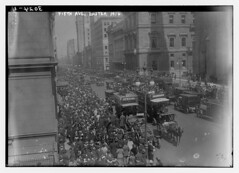 Fifth Ave., Easter, 1914 (LOC)