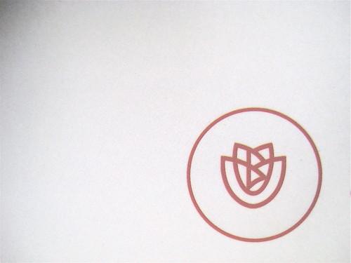 Ivan Cotroneo, Un bacio, Bompiani 2010; cover design: Polystudio; copertina: Carla Moroni; alla cop.: ftgrm del film Deserto Rosa/Luigi Ghirri; cop. (part.), 4