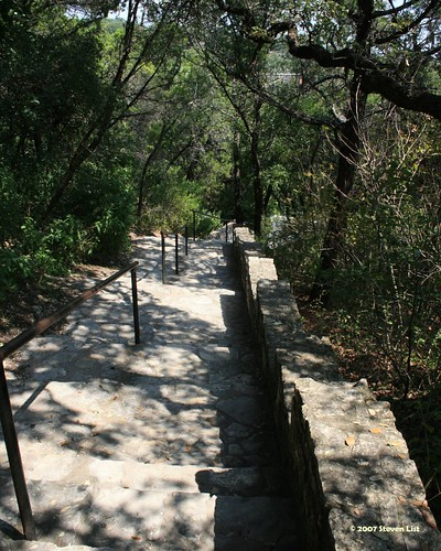 Steps leading up to Mount Bonnell. (photo courtesy of DigiDragon, flickr)