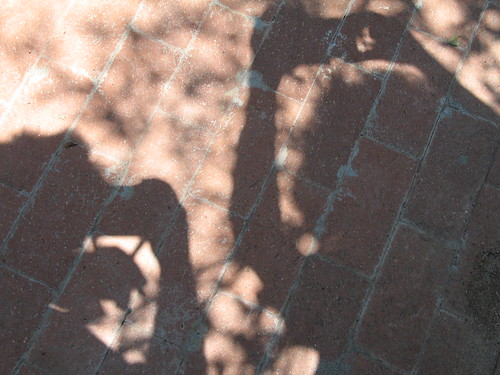 Shadow Shifting, Albuquerque, NM, July 2007, photo © 2007 by QuoinMonkey. All rights reserved.