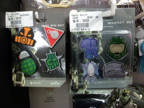Halo 3 merchandise (pins, buttons, magnets, stickers)