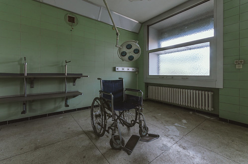 "Hospital BTOK • <a style=""font-size:0.8em;"" href=""http://www.flickr.com/photos/72582717@N02/23816834492/"" target=""_blank"">View on Flickr</a>"