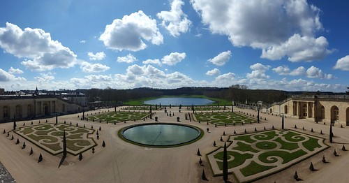 "Versailles Gardens - Paris, France • <a style=""font-size:0.8em;"" href=""http://www.flickr.com/photos/104409572@N02/26233135426/"" target=""_blank"">View on Flickr</a>"