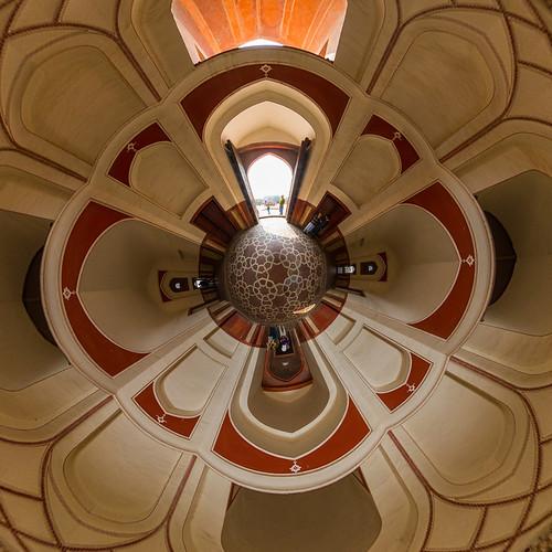 Humayun-Mausoleum as a little planet