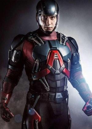 """Em """"Legends of Tomorrow"""", ex-Superman volta protagonista e mais experiente"""