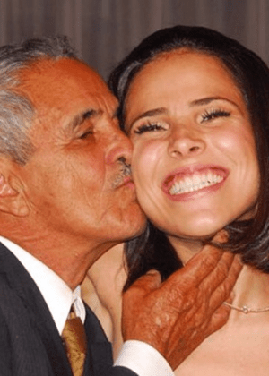 Wanessa volta a usar sobrenome Camargo a pedido do avô