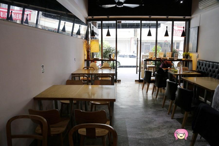 [台中.美食]I'm Feng Cafe.豐原咖啡館~下午茶套餐很划算.盆栽可可咖啡 @VIVIYU小世界