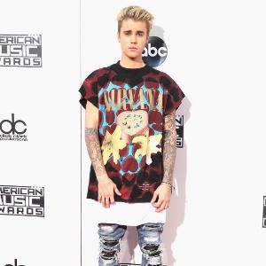"""""""Estou sendo usado"""", diz Bieber sobre boatos envolvendo Kourtney Kardashian"""