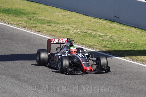 Esteban Gutierrez in the Haas in Formula One Winter Testing 2016