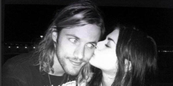 Frances Corbain, filha de Courtney Love e Kurt Cobain, está se divorciando