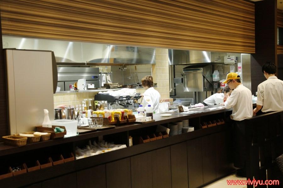 [名古屋.美食]Light Cafe.永旺常滑商城~最好吃的鬆餅✕實至名歸↪介於舒芙蕾與鬆餅蛋白霜口感 @VIVIYU小世界