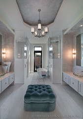 Moderno-Master-Bathroom