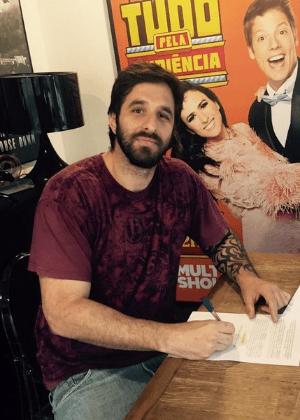 Rafinha Bastos anuncia que apresentará talk show na TV paga