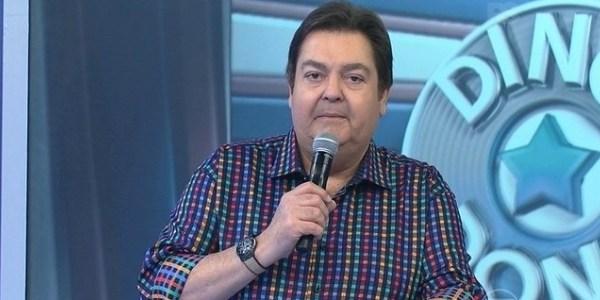 """Fausto Silva se irrita após erro de Felipe Dylon em quadro do """"Domingão"""""""