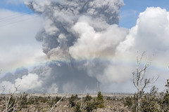 Kilauea volcano in Pahoa, Hawaii, United States erupts yet again on the afternoon of May 25, 2018, sending ash and debris high up to the sky. (Photo by Yichuan Cao/Sipa USA)