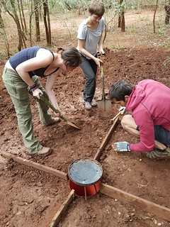 Umkhumbi interns peparing a bucket trap pic A Rorvik