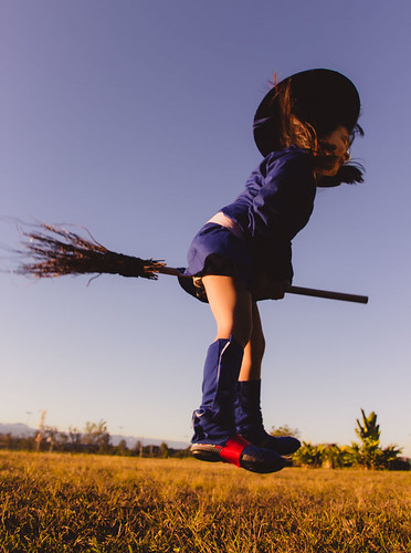 cosplay-girls-kiki-akko-little-witch-academia-16.jpg