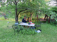 Im schönen Garten bei Risa und Jared