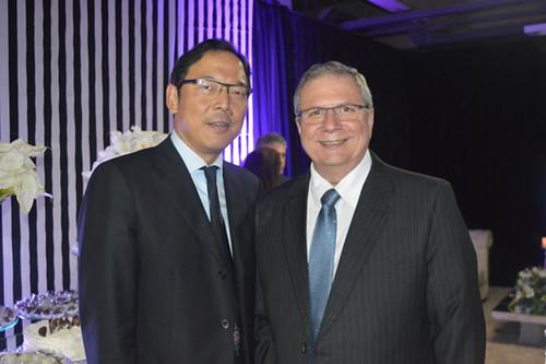 Osamu Nakagawa – Diretor Executivo Nippon Steel, com o presidente Flaviano Gaggiato